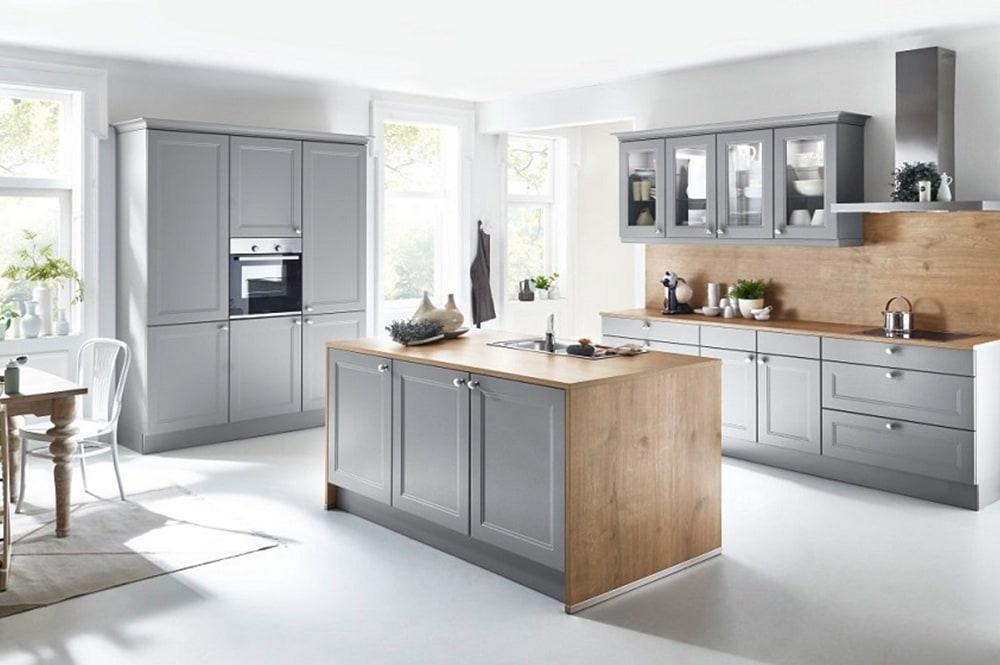 Loohuis-keukens-Landelijke keuken in grijs met houtaccenten