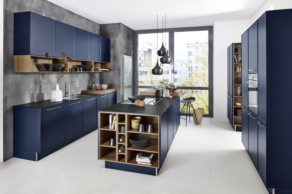 Loohuis_Keukens_Modern klassieke blauwe keuken met kookeiland