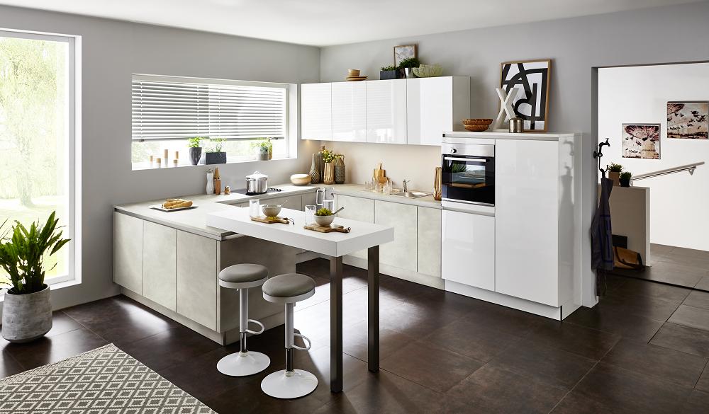 Loohuis_Keukens_Moderne hoekkeuken met schiereiland